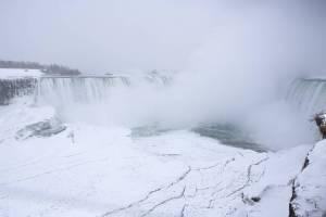 cataratas-Niagara-nuevamente-congeladas_CLAIMA20140122_0110_14