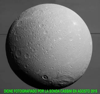 Luna Dione de Saturno por la sonda cassini agosto 2015