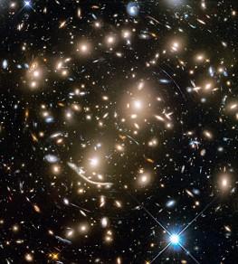 Cumulo masivo de galaxias Abell 370