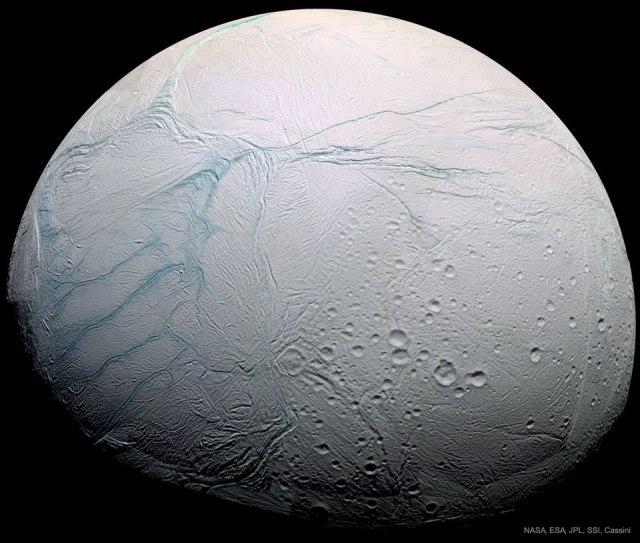 Luna Encelado de Satruno